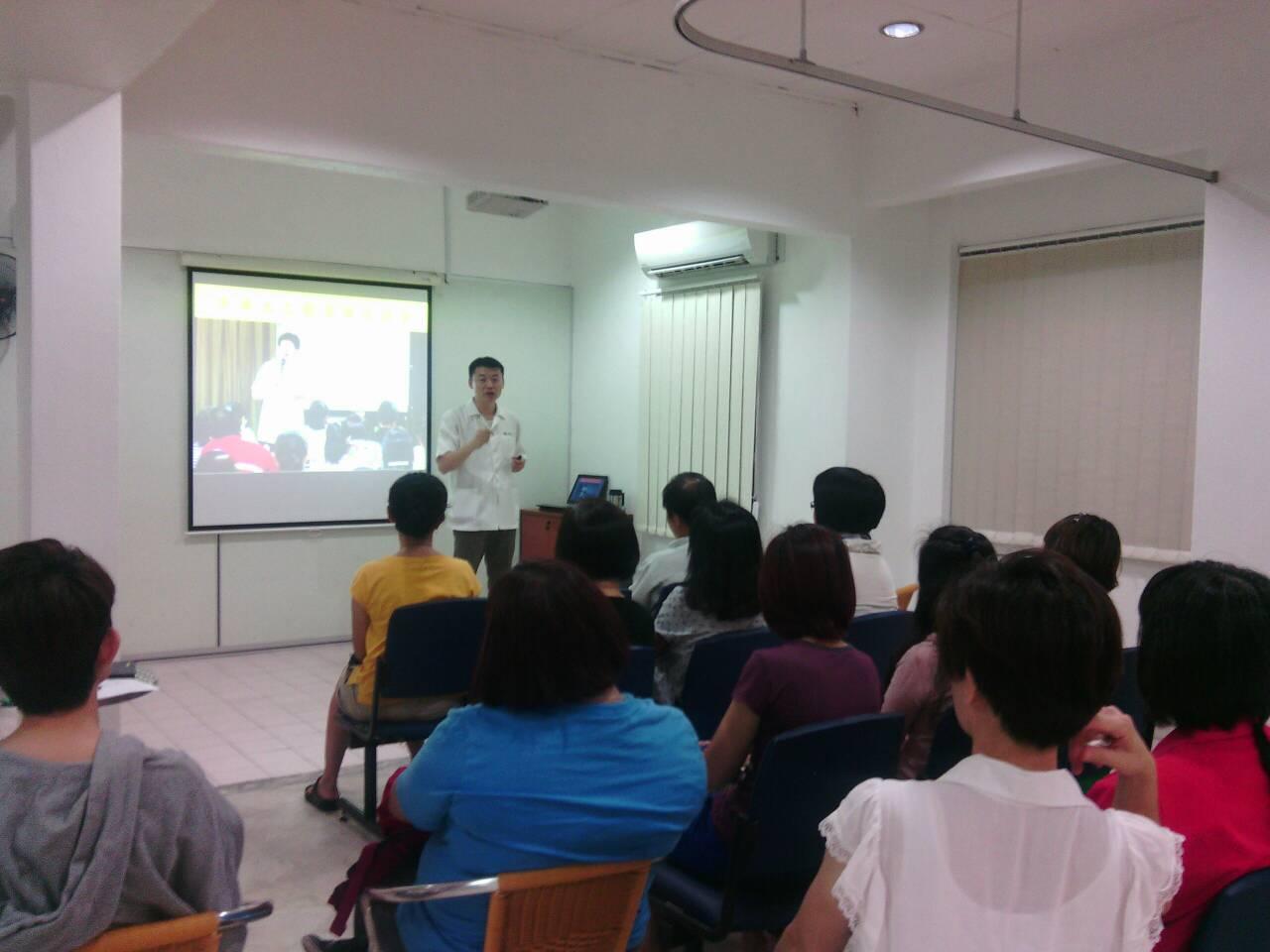 经常举办社区型健康讲座,让民众了解中医养生常识。