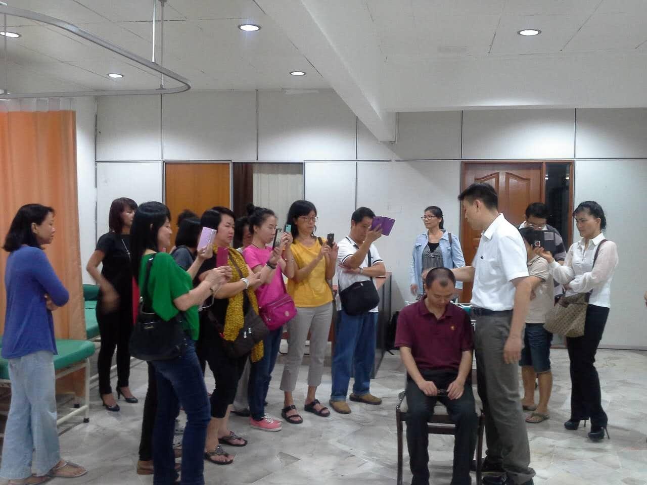 经常举办社区型健康讲座,让民众了解中医养生常识。2